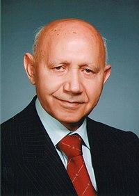 عارف، ونویسنده معاصر ایرانی؛دکترحسین الهی قمشهای